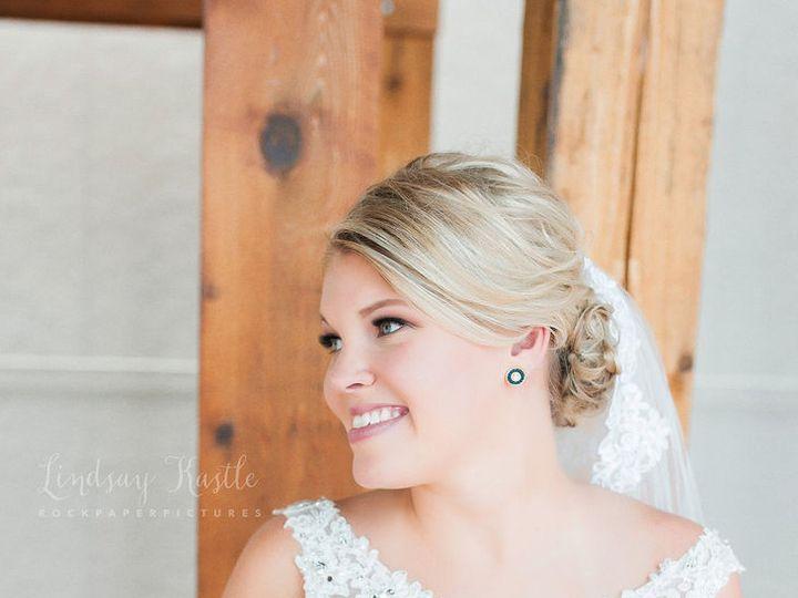 Tmx 1536781871 6b6e714228649823 1536781869 0cf254ceed137032 1536781869084 1 9fa4996c2c0592bf85 Iowa City, IA wedding beauty