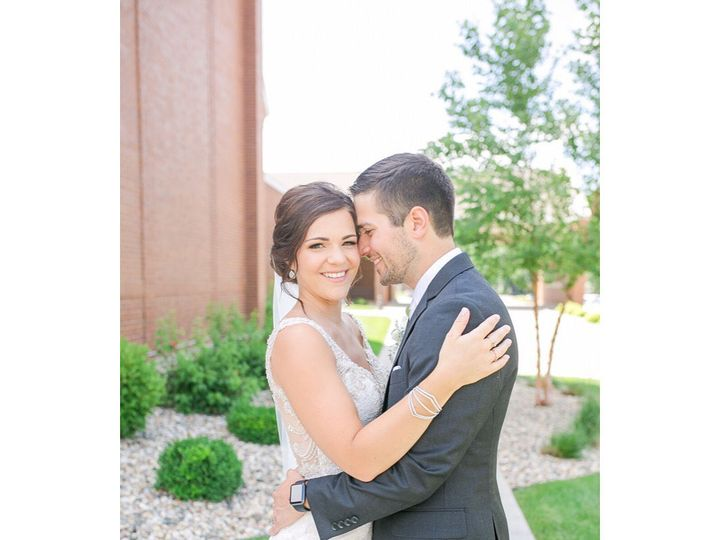 Tmx 1536781958 Ae06c85ac6b6d729 1536781957 Bb34e580426f084e 1536781957099 10 37213022 23134607 Iowa City, IA wedding beauty