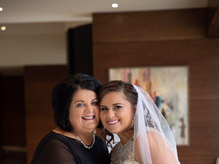 Tmx Img 2027 51 916076 Iowa City, IA wedding beauty