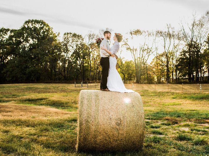 Tmx 1517076116 2fca1acbe37767fe 1517076112 5339c1cb4f07a3b3 1517076108358 3 Clinard 343 Utica, NY wedding planner