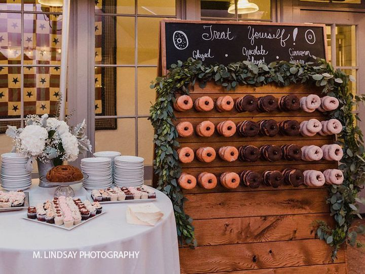 Tmx Donuts M Lindsay Photography 51 728076 162014661274170 Glenmoore, PA wedding venue