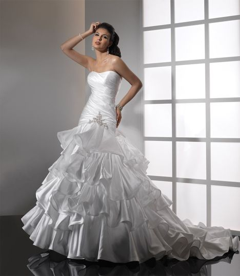Bridal brilliance rentals dress attire salt lake for Wedding dress rentals utah