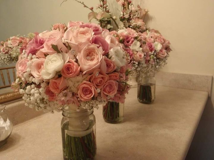 Tmx 1478270172862 1452061417219068714065033402837212897455800n Brookfield, CT wedding florist