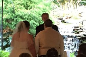 Meaningful Personalized Wedding Ceremonies with Officiant and Coordinator