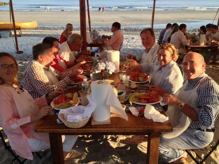 Tmx 1516592361 151cbb56851aef42 1516592360 E5f692bbfb251d03 1516592357300 92 Beach Lobsterbake York Harbor, ME wedding catering