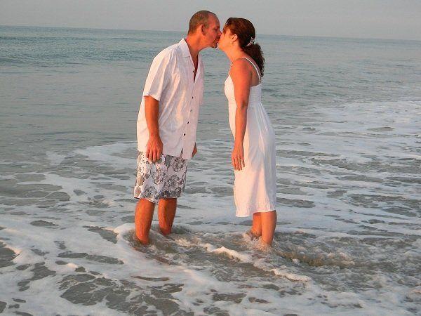 Sweet beach kiss