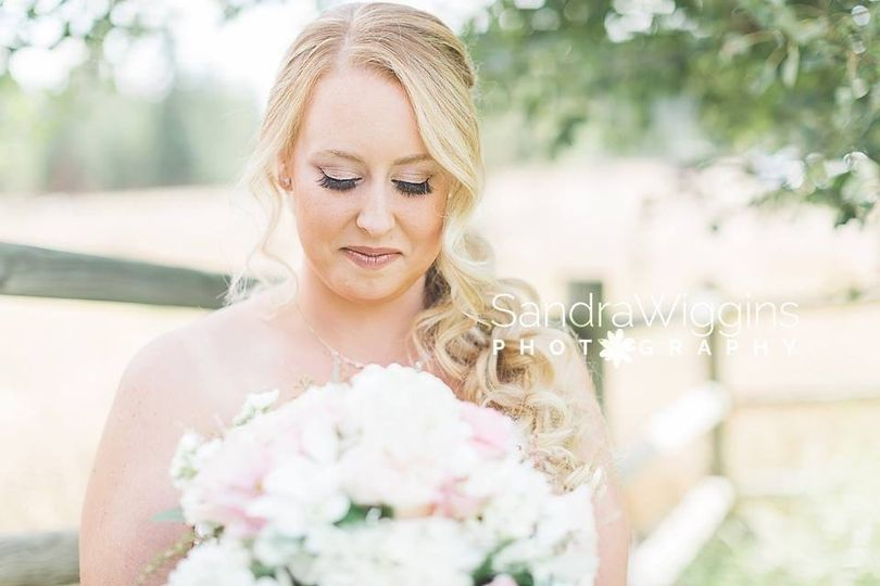 Beautiful florals & bride