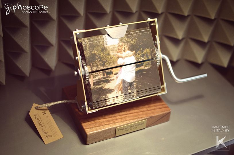 Wedding Giphoscope n. 4, created for a wedding in Caifornia, US. Squared aluminum holding frame with...