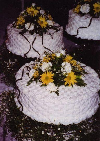 Butter Cream Basket Weave - Fresh Flower accents