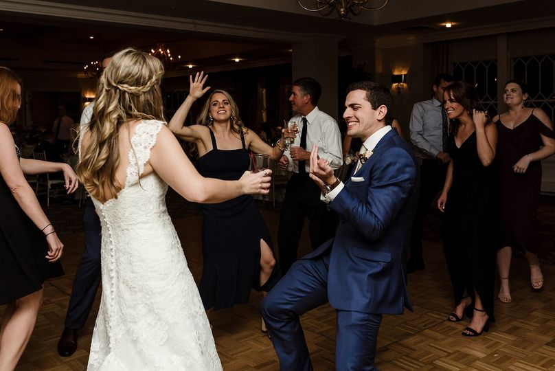 Groom getting down