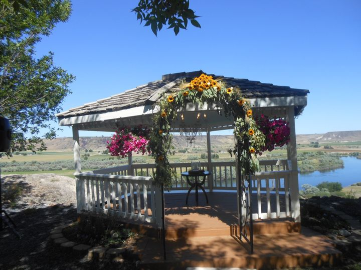 Get married on the cliffs of the Snake River overlooking the valley below , plenty of shade, lots of...