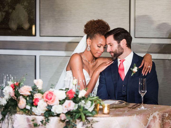 Tmx Livingcoralritzstyledshoot 0068 51 971376 Newton Center, Massachusetts wedding planner