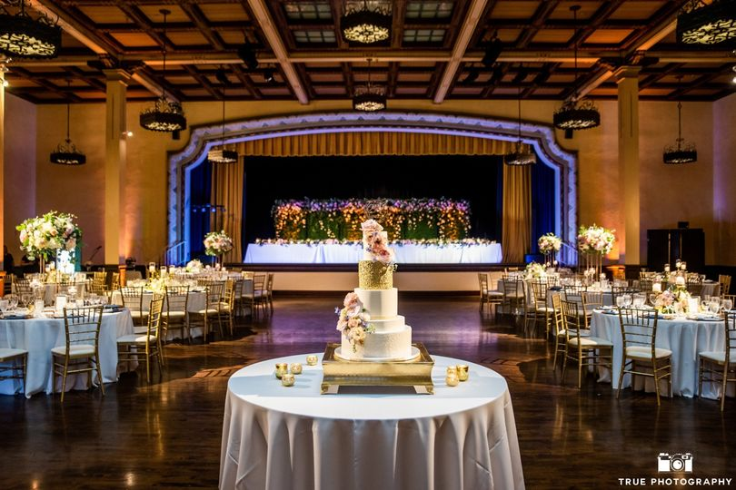 Gorgeous cake with in Ballroom