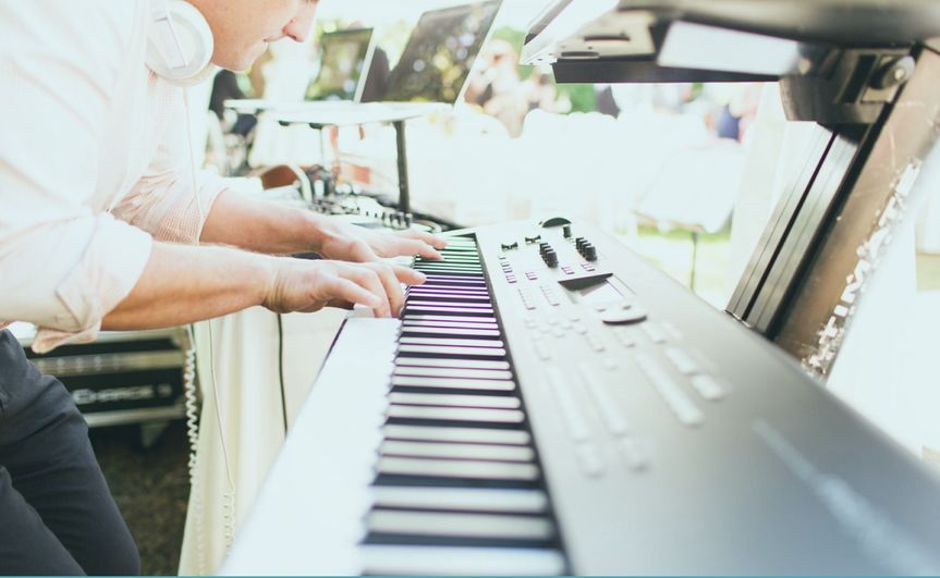 piano pic with overlay