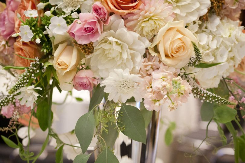 800x800 1429886733343 close up of wedding centerpiece by vases wild imag