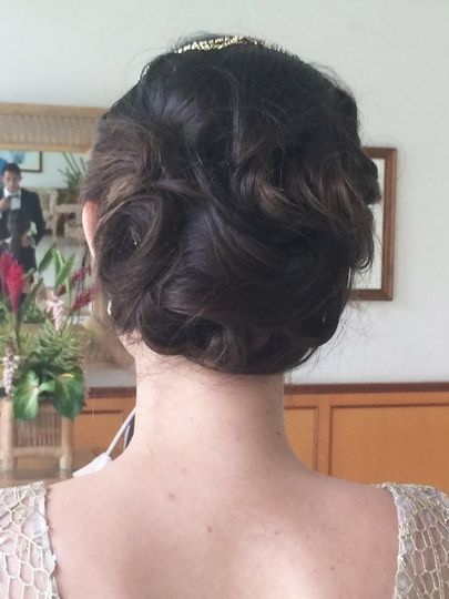 Bridal Hair-glamour updo