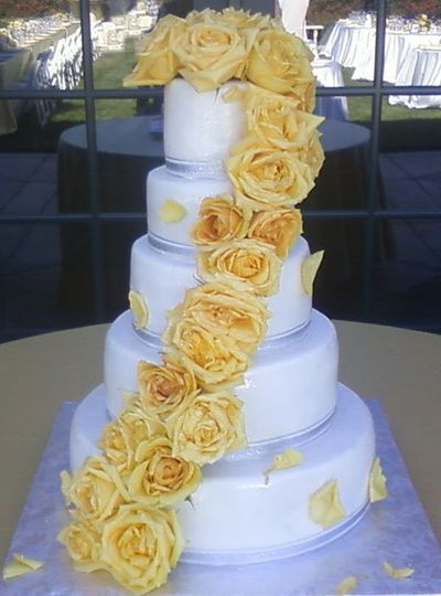 Sweet Kisses Cake Company - Wedding Cake - Modesto, CA - WeddingWire
