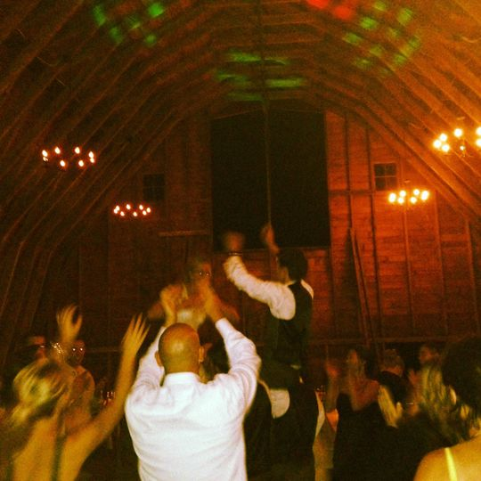 Epic dance party at a barn wedding in Snohomish