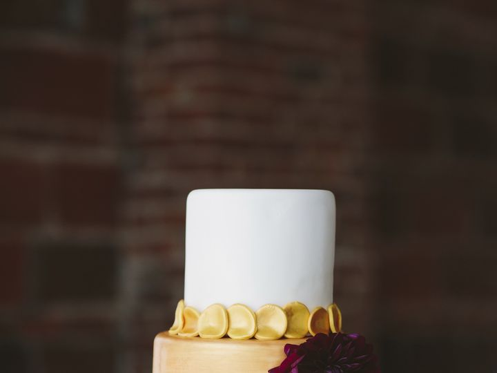 Tmx 1416419772201 Brii0339 2 Overland Park wedding cake