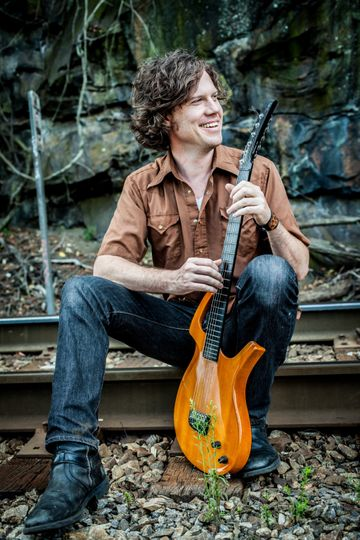 Jeff Thompson, Singer/Guitar