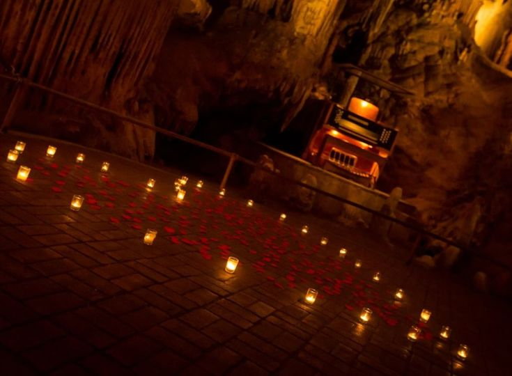Candle decor in Luray Caverns