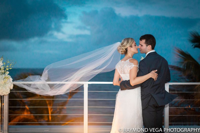 Raymond Vega Photography / Professional Wedding Photographer...