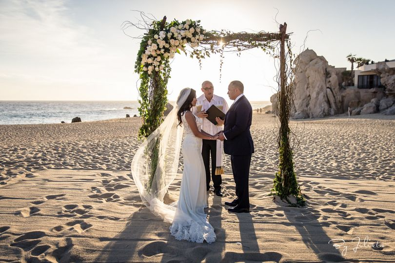 Beach elopement at Los Cabos Mexico