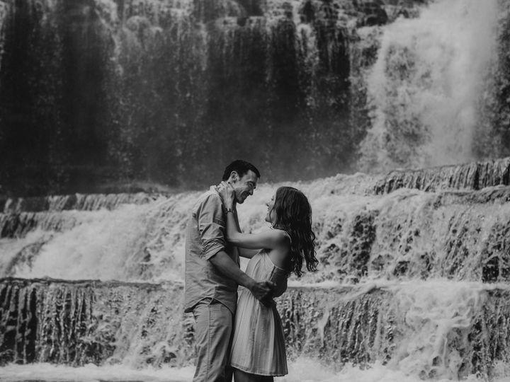 Tmx Screen Shot 2017 05 31 At 12 48 24 Am 51 319576 Nashville, TN wedding photography