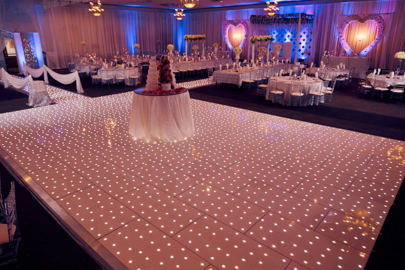An illuminated reception setup