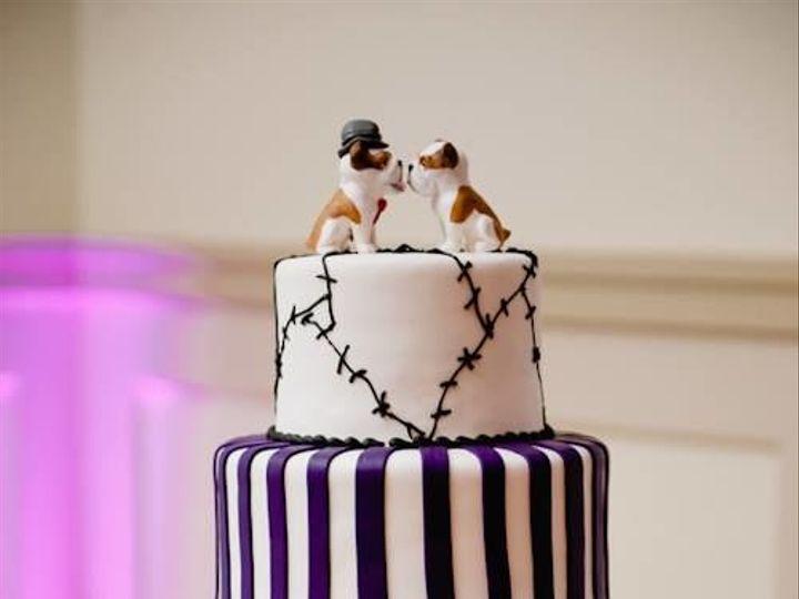 Tmx 1519591462 1f9dd0bb29c5fec1 1519591461 Ee611a29522fb90c 1519591461436 6 Dogy Topped Cake Bloomfield, NJ wedding cake