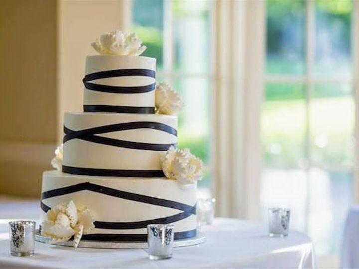 Tmx 1531246320 Db8c5832c2349181 1531246319 9ee89c4fddc80fdf 1531246319650 3 Wedding Stripe B W Bloomfield, NJ wedding cake