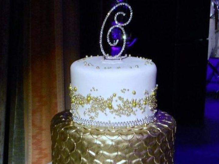 Tmx 1531246945 38f0a9fc96b2c80d 1531246944 C5c3773964aa4961 1531246944172 13 Golden C Cake Bloomfield, NJ wedding cake