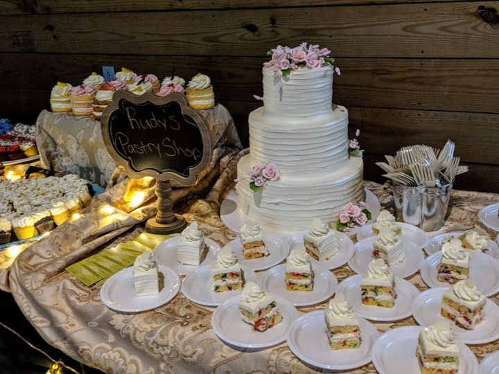 Tmx 1537222337 De2f192047b42313 1537222335 08b7cdc1d732228f 1537222334622 4 IMG 20180613 18171 Bloomfield, NJ wedding cake