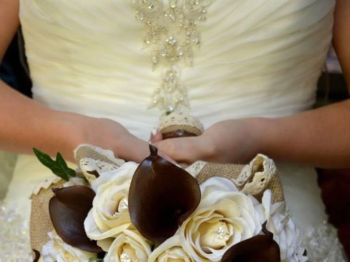 Tmx 1455626030635 1060645415483924020402523346033813373178406n Akron wedding florist