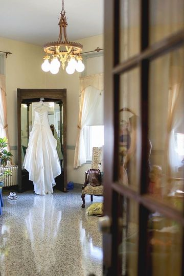 Bridal Suite with excellent natural light, ample mirrors, and private bathroom to get ready on your...