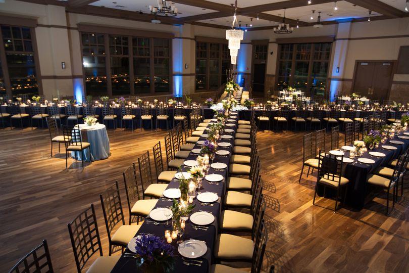Noah 39 s event venue naperville venue naperville il for Table 52 chicago reviews