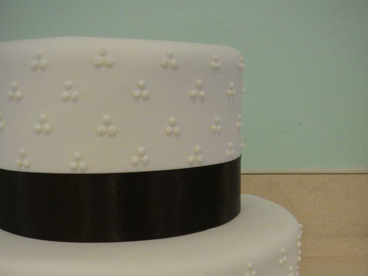 Tmx 1391139557107 Dsc0113 Fairfield wedding cake