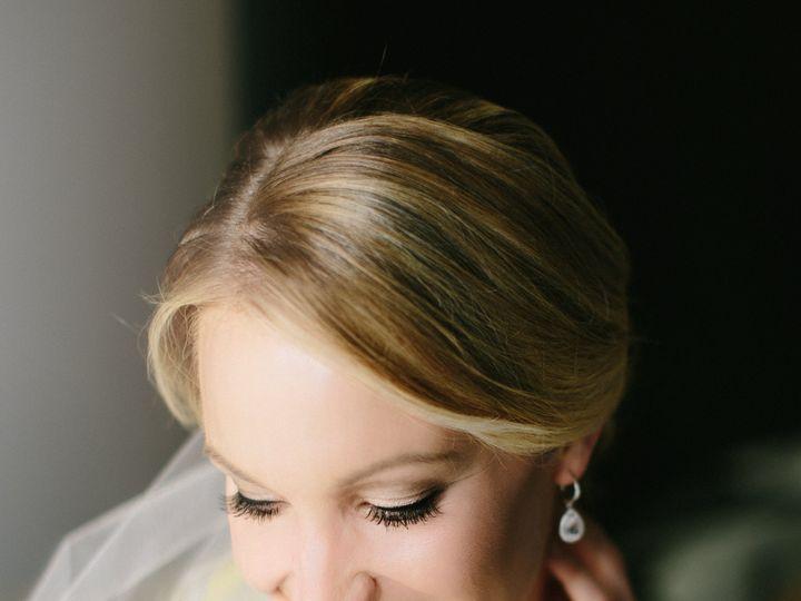 Tmx 17 0114 Kelly Michael Wed 00137 51 998776 Seattle, WA wedding beauty
