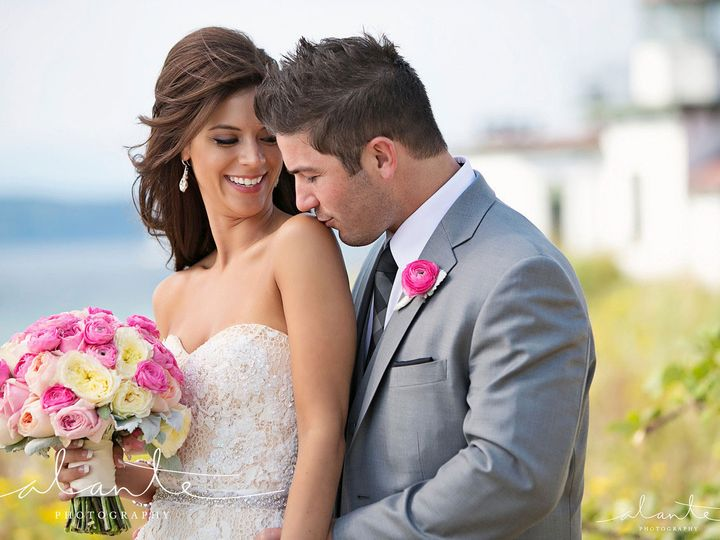 Tmx 5ef3af77 3eb2 4f7e 8862 E0197cbb728f 251 00000027bd6f7329 Tmp 51 998776 Seattle, WA wedding beauty