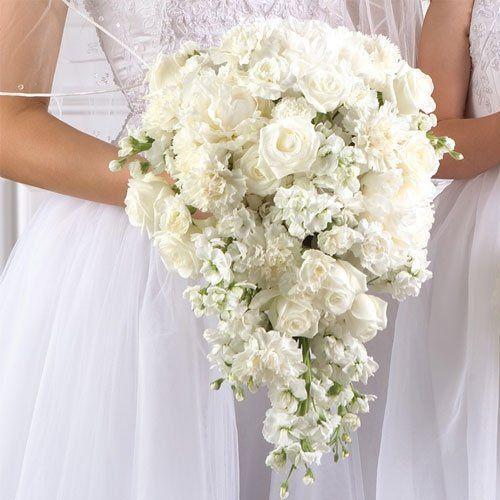 White Bridal Teardrop Bouquet