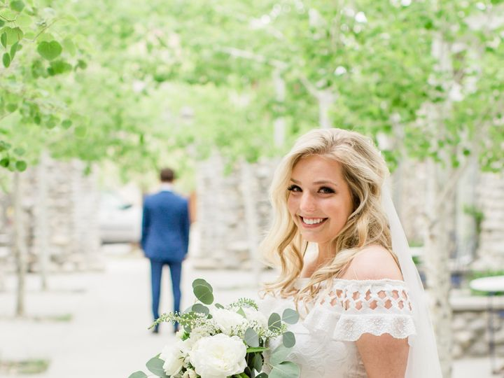 Tmx Lindsey Taylor Photo Ellietorrey Etc19 209 51 1015876 157479540154939 Buena Vista, CO wedding venue