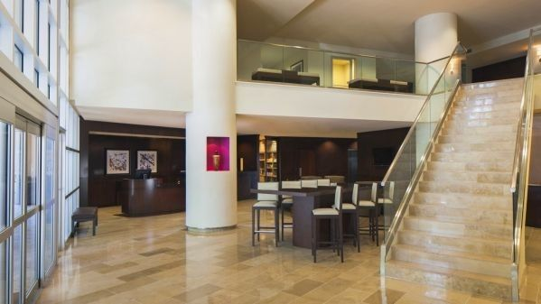 sheraton metairie new orleans hotel lobby