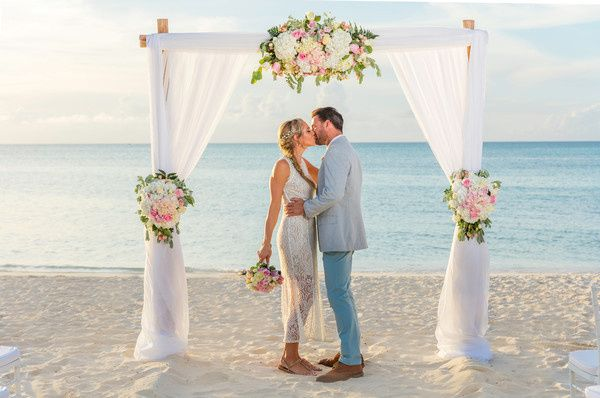 Hilton aruba caribbean resort casino venue palm for Wedding dresses palm beach