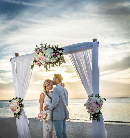 05bda9e7c25d8ee3 Beach Wedding 8654
