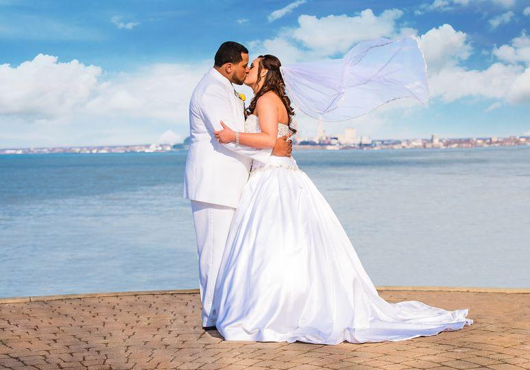 weddings beach first kiss cleveland oh
