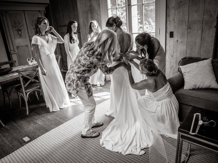 Tmx 1521817785 3fa223c6102f89e9 1521817782 837417842a8bbaad 1521817749408 9 Sarah John Highlig Greenfield wedding photography
