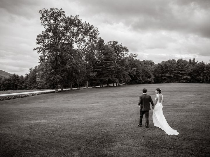 Tmx 1521822132 D452424352444937 1521822131 50a11346d93f78b0 1521822099010 5 Sarah John Highlig Greenfield wedding photography