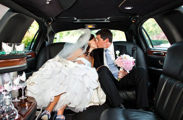 Tmx 1521122665 F4f3ad23a3fe0e04 1521122664 Ce74f45ead0d2e5b 1521122664442 7 Wedding Limos Arlington, VA wedding transportation