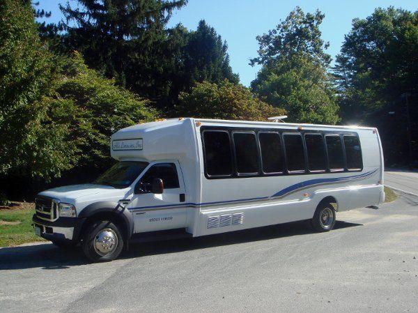Limo Bus side angle