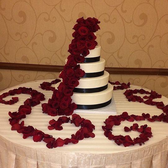 rima wedding cake